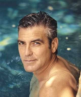 George_clooney_swimming