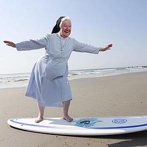 29.1n003.surfingnun1.c--300x300