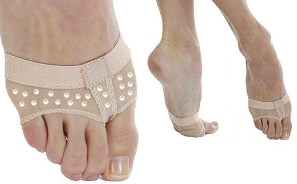 Foot-Thong_1