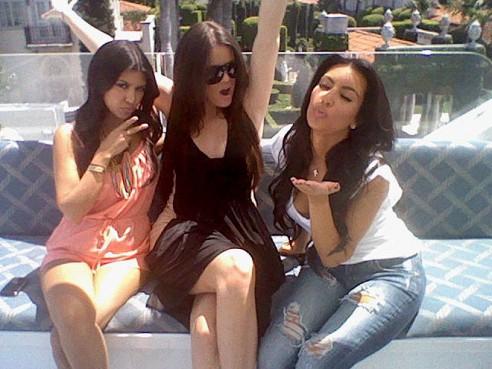 Miami-Memories-Kim-Khloe-Kourtney-Kardashian-13-492x369