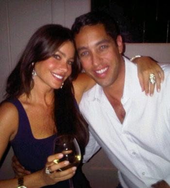 Sofia_vergara_nick_loeb_0824_art