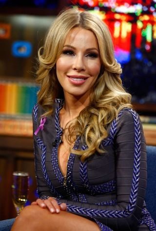 Real-Housewife-of-Miami-Lisa-Hochstein-Sues-Internet-Commenter-2
