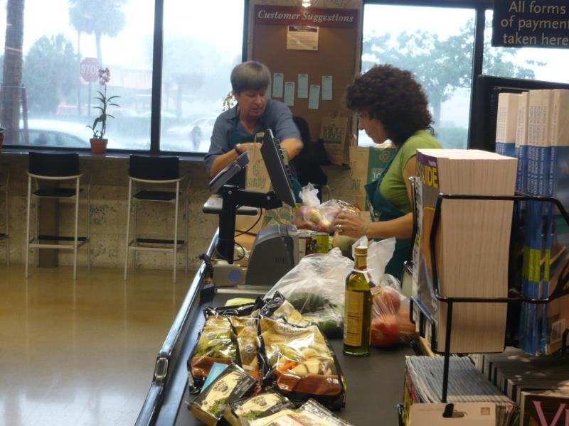 Dave_bagging_groceries1